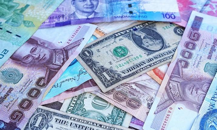 ドルユーロ、通貨