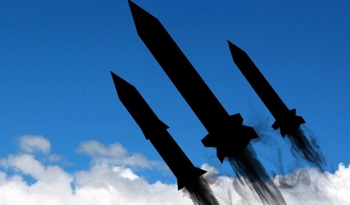 シリアにミサイル!?